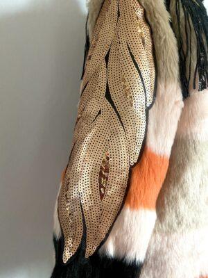 manica pelliccia con fogli in paillettes oro